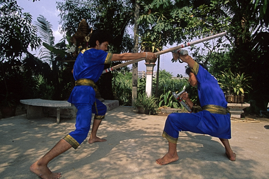 Krabi_Krabong_practitioners_in_Thailand
