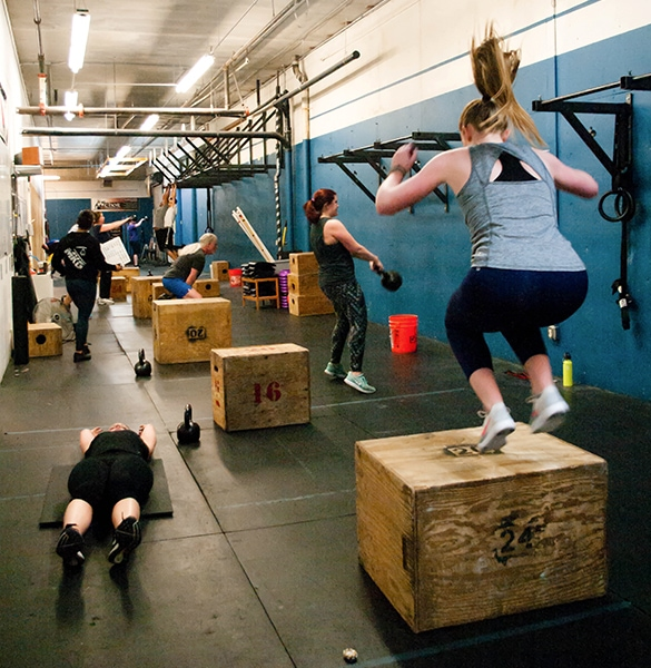 CrossFit_class_Crossfit_seattle_mkg