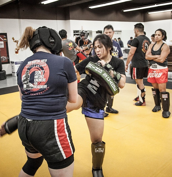 Muay_Thai_two_women_kicking2_kickboxing_seattle